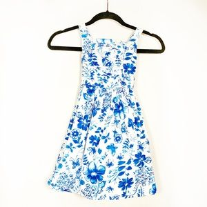 Youngland Girls summer dress blue/white EUC floral
